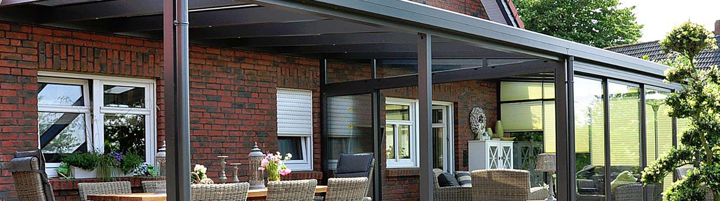 gebogene terrassen berdachung aus glas als attraktive l sung. Black Bedroom Furniture Sets. Home Design Ideas
