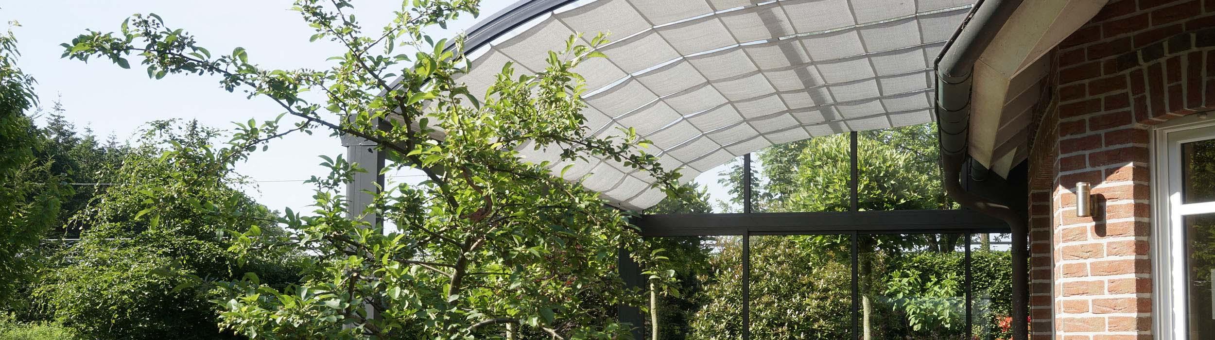 Sehr Sonnenschutz für die Terrasse– heißer Kaffee, kühler Kopf PO95